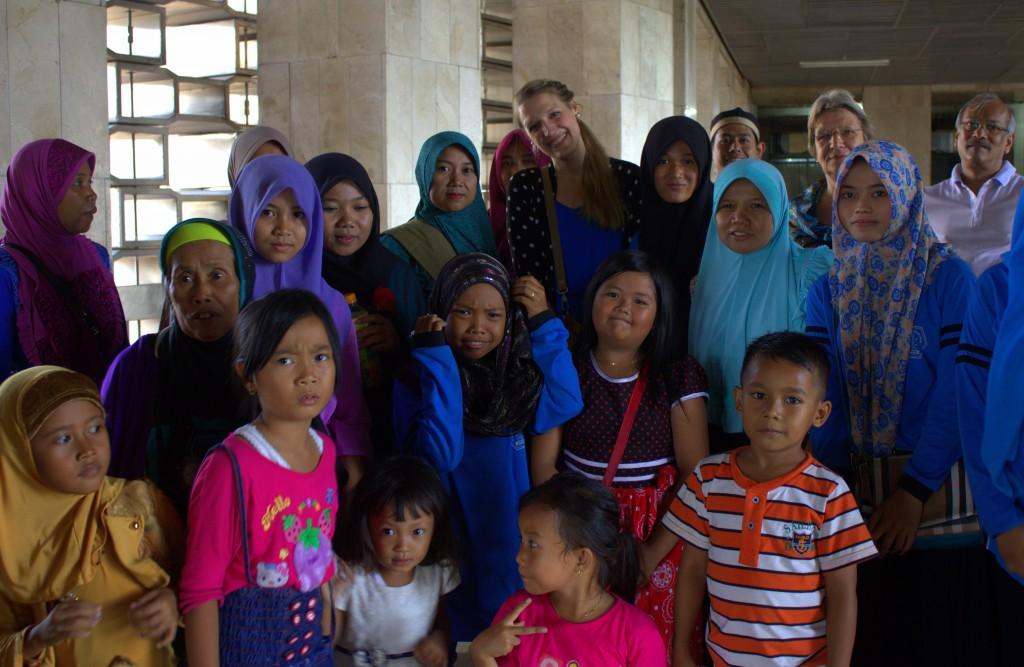 Indonesier in Moschee