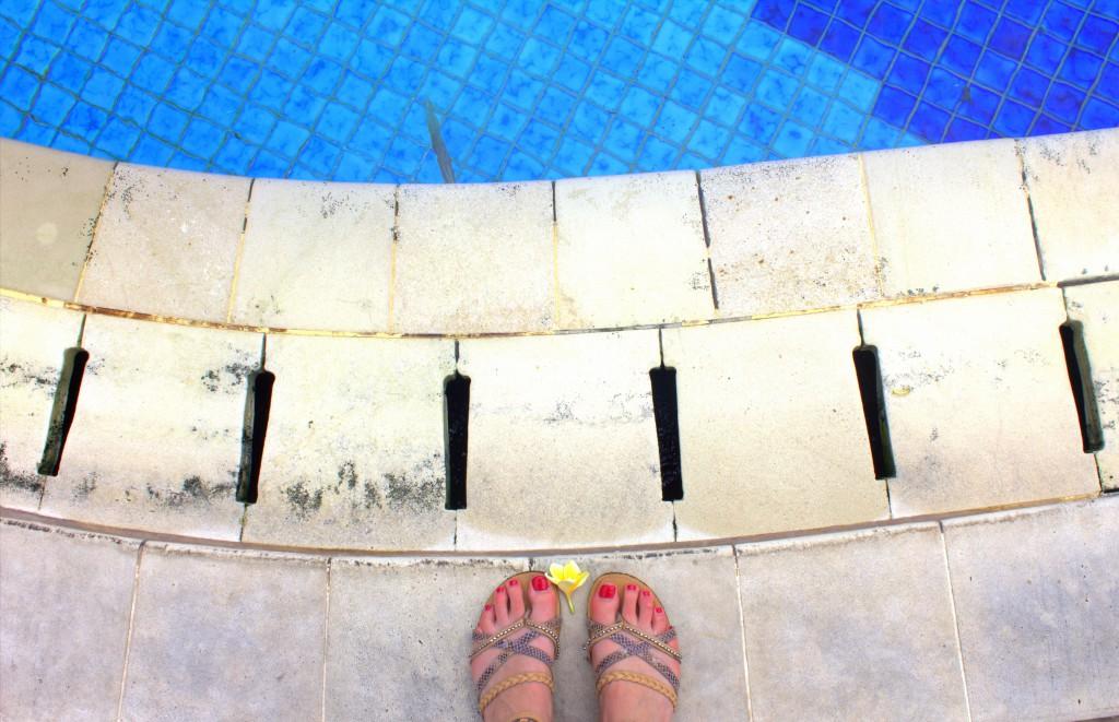 Jakarta Pool Füße