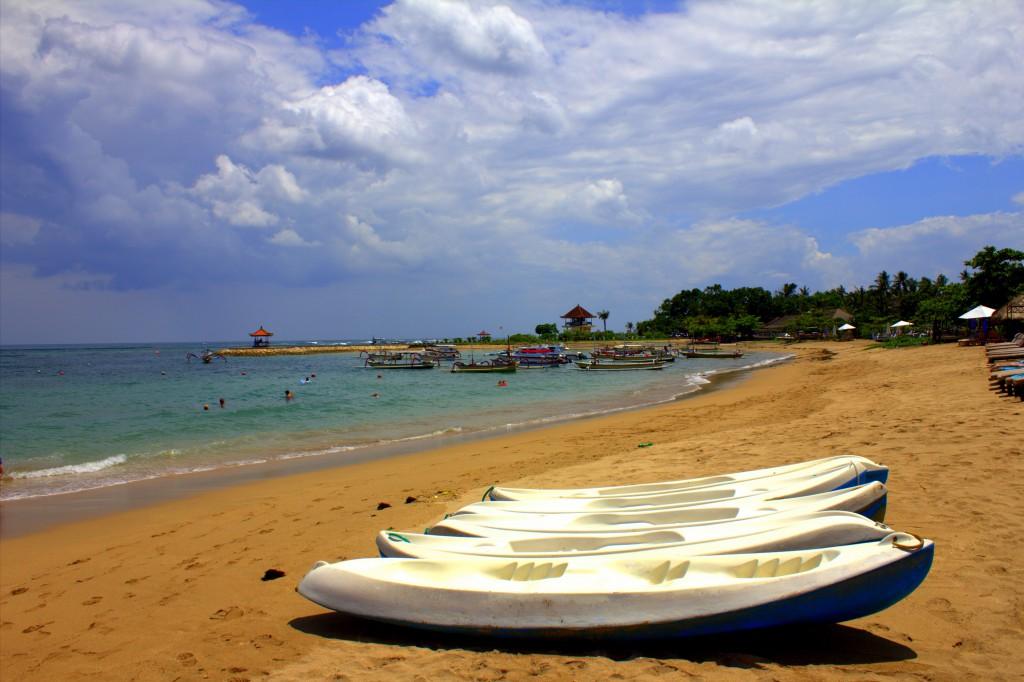 Nusa Dua Strand mit Booten