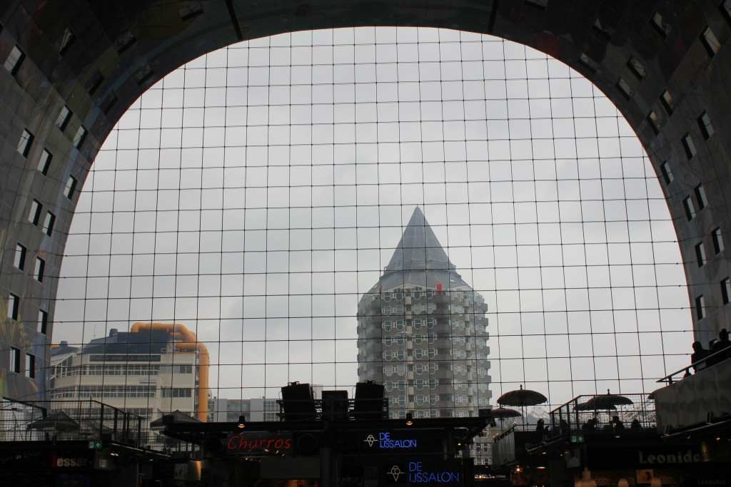 Rotterdam Markthalle Blick nach außen
