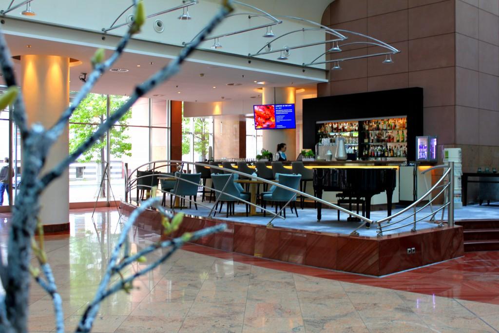 frankfurt-hilton-lobby