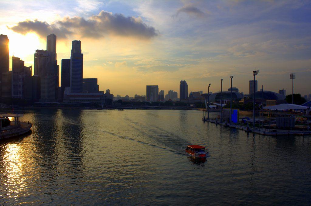 singapur-skyline-sonnenuntergang