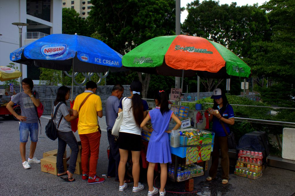 streetfoodstand-asiaten