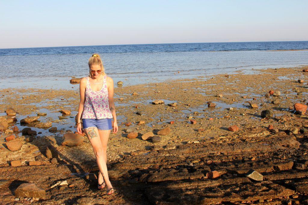 Alleinreisende Frau Ägypten