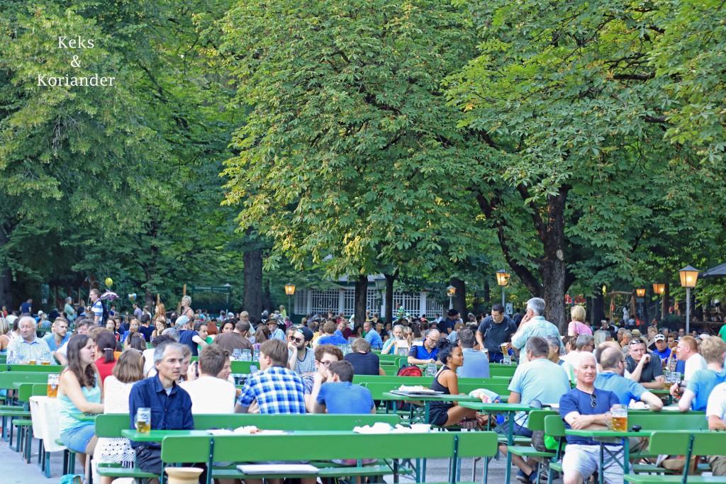 Biergarten am chinesischen Turm Englischer Garten München