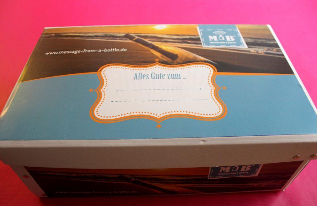 Flaschenpost Message from a bottle Karton