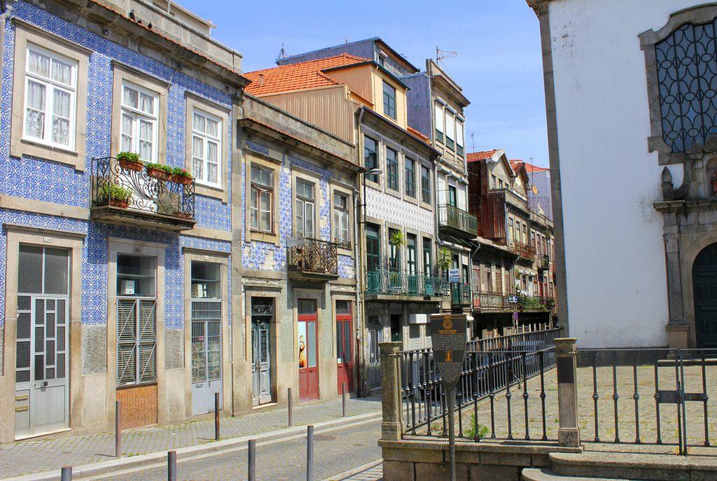 Porto blaue Häuser