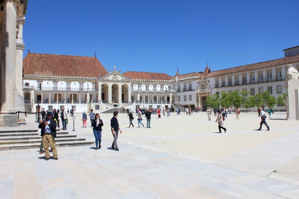 Coimbra Uni Touristen