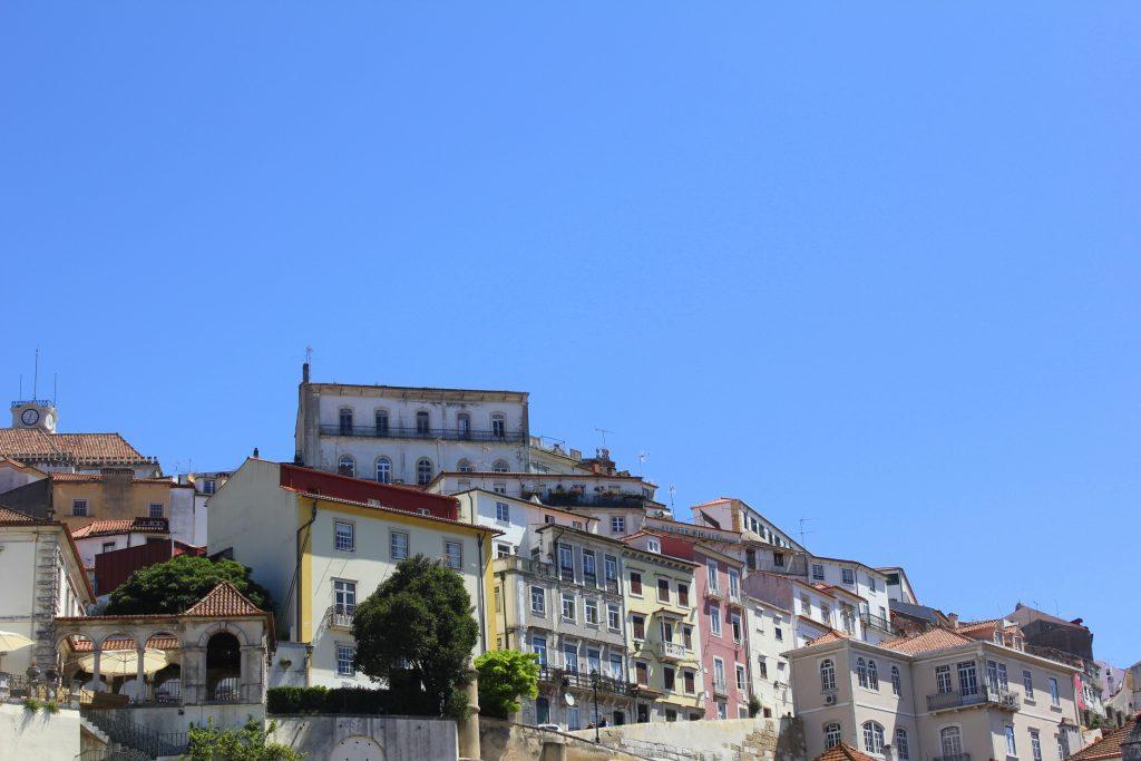 Coimbra bunte Häuser