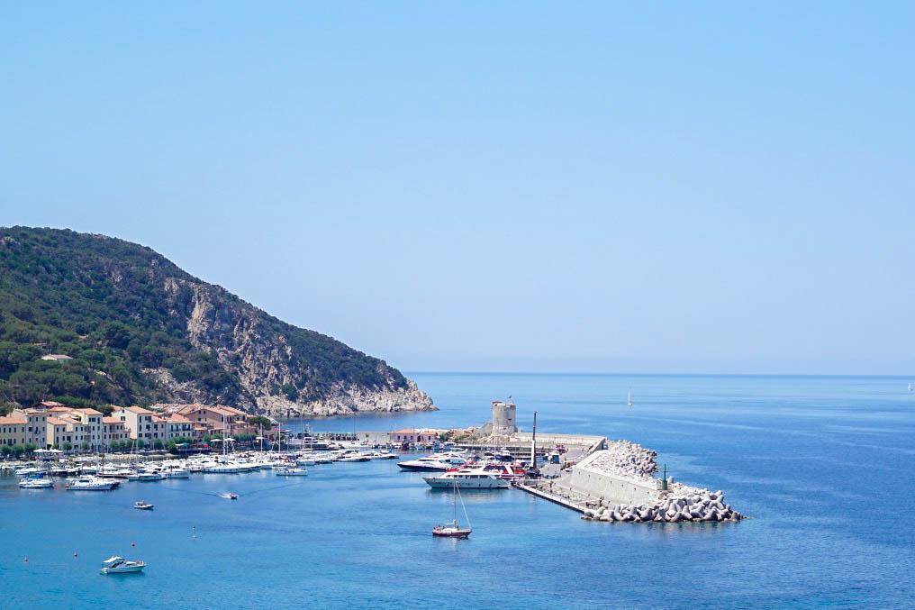 Elba-Italien-Hafen-Küste-Meer-Berge